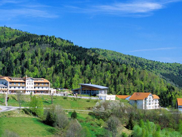 Village de vacances metabief azureva location for Kerjouanno azureva